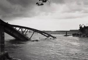 Verwoeste brug